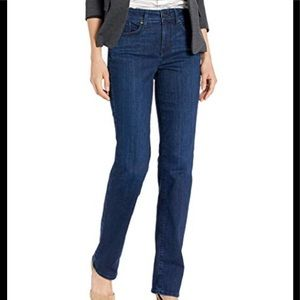 NWT Not Your Daughters Jeans With Bedazzled pocket